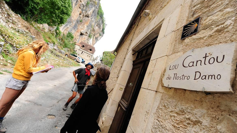 Gîtes d'étape, pilgrim hostels