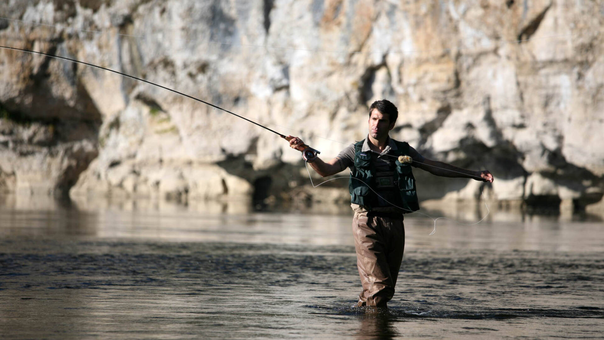 Fly-fishing in the Dordogne