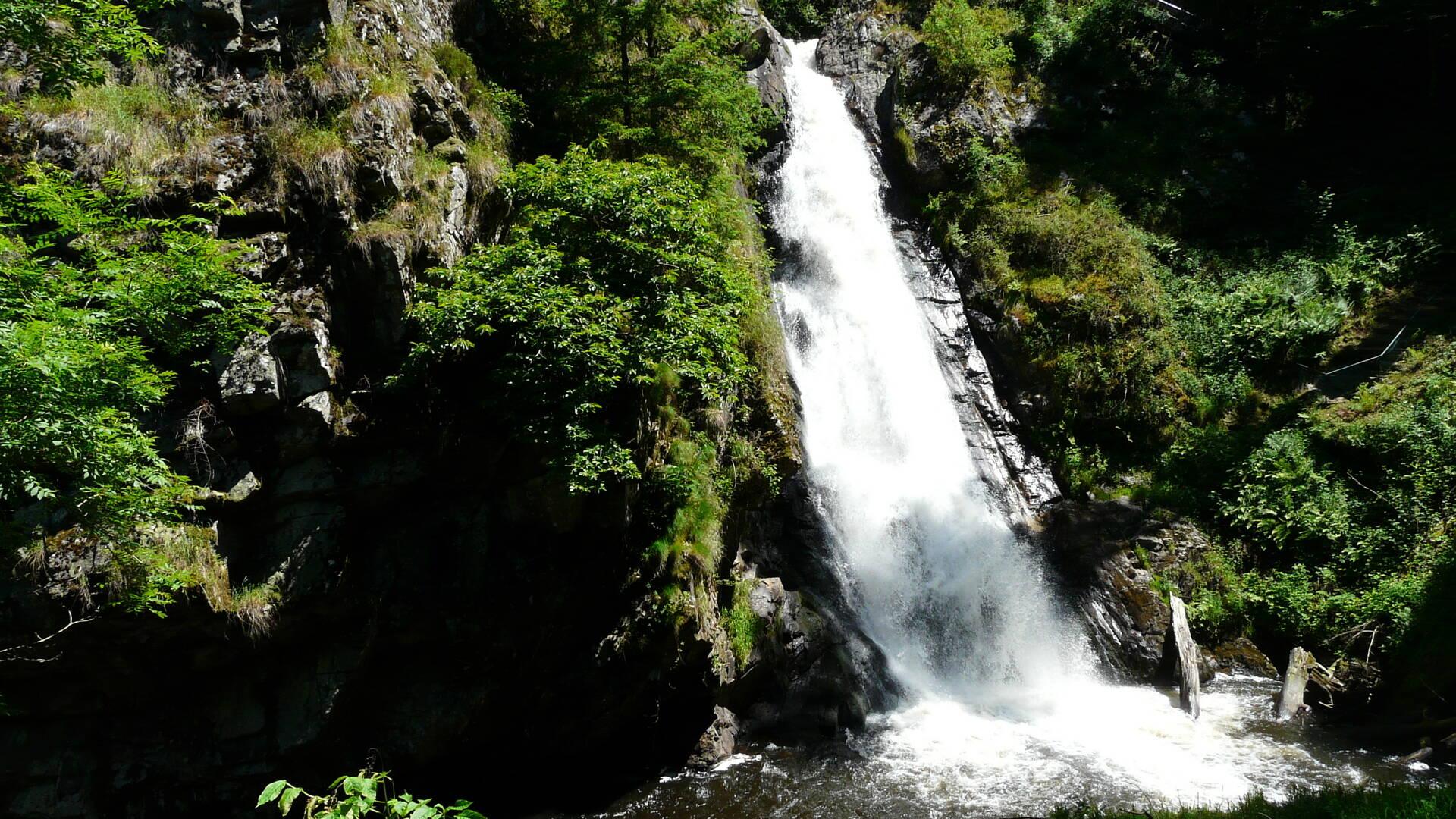 The cascades of Gimel