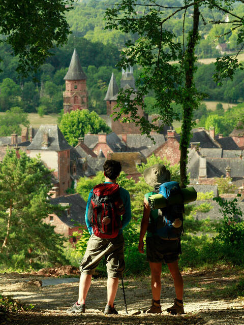 Walking to Collonges-la-Rouge - @ M. Turin