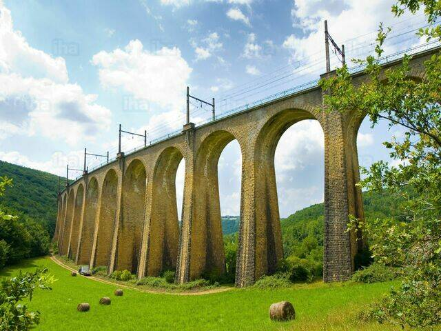 Ralway viaduct in Souillac