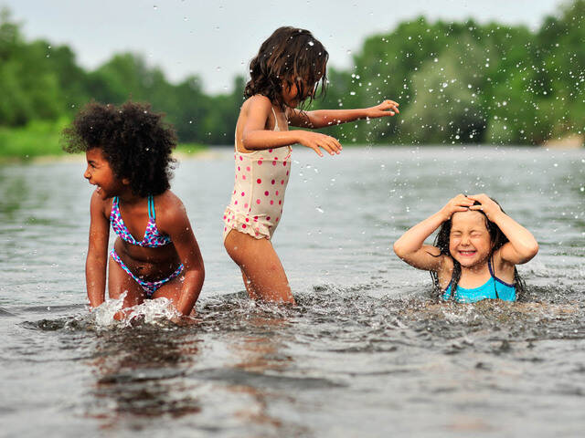 Splashing in the Dordogne River - @ C. Ory