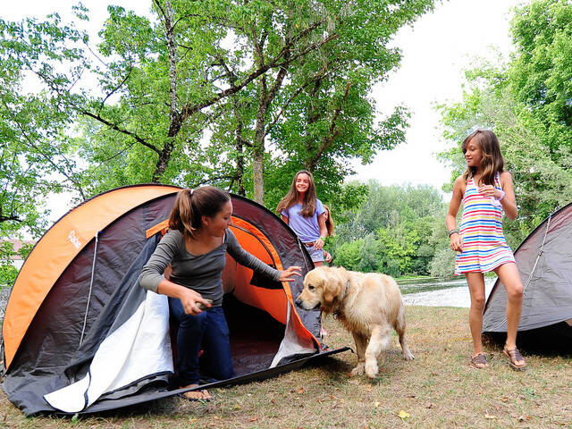 Camping by the Dordogne River - @ C. Ory