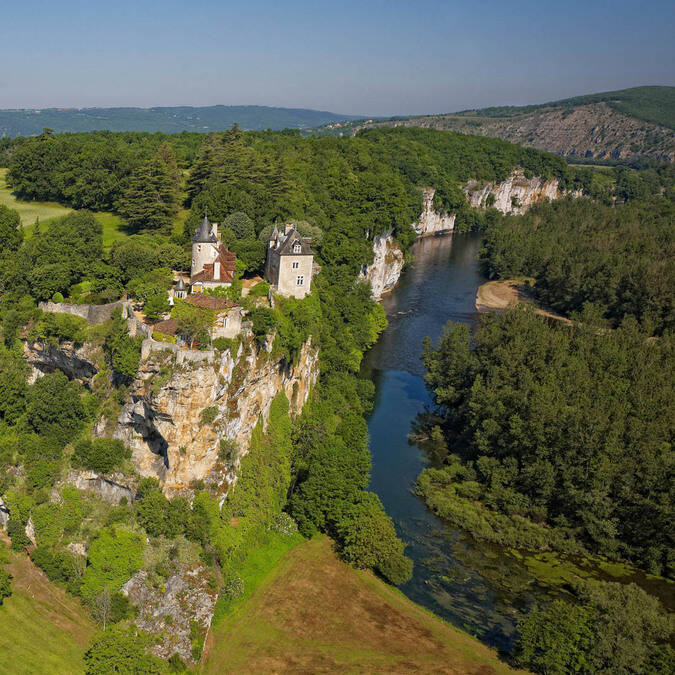 Belcastel castle with the Dordogne below