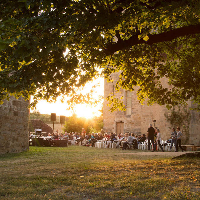 Events in Curemonte at sunset