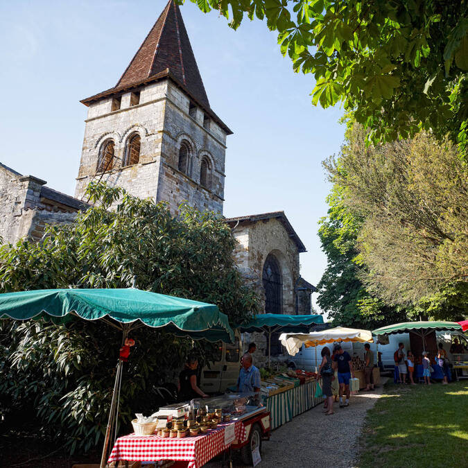 Market in Carennac