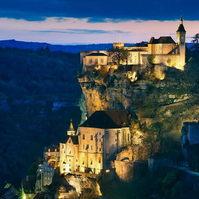 Rocamadour with the castle at the top - @ Skyscanner